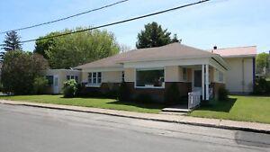 Maison - à vendre - Marieville - 11110576