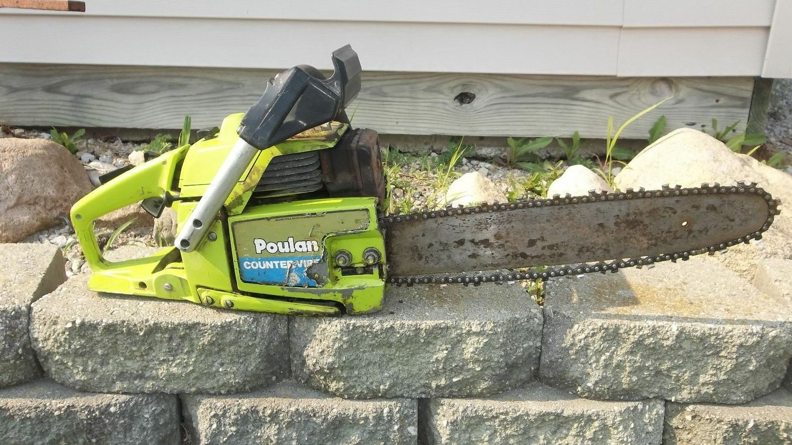 How to replace a primer bulb on a poulan chainsaw ebay how to replace a primer bulb on a poulan chainsaw greentooth Gallery
