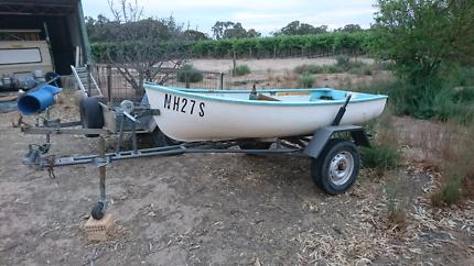 10 foot Fibreglass boat