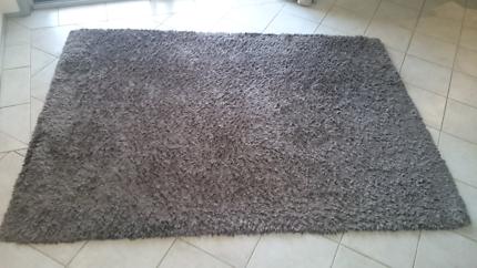 Brown rug mat 2m x 1.4m