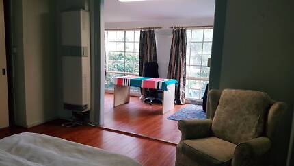 Very nice big furnished bedroom in Chadstone