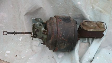 1973_1979 F250 4x4 brake booster and master cylinder