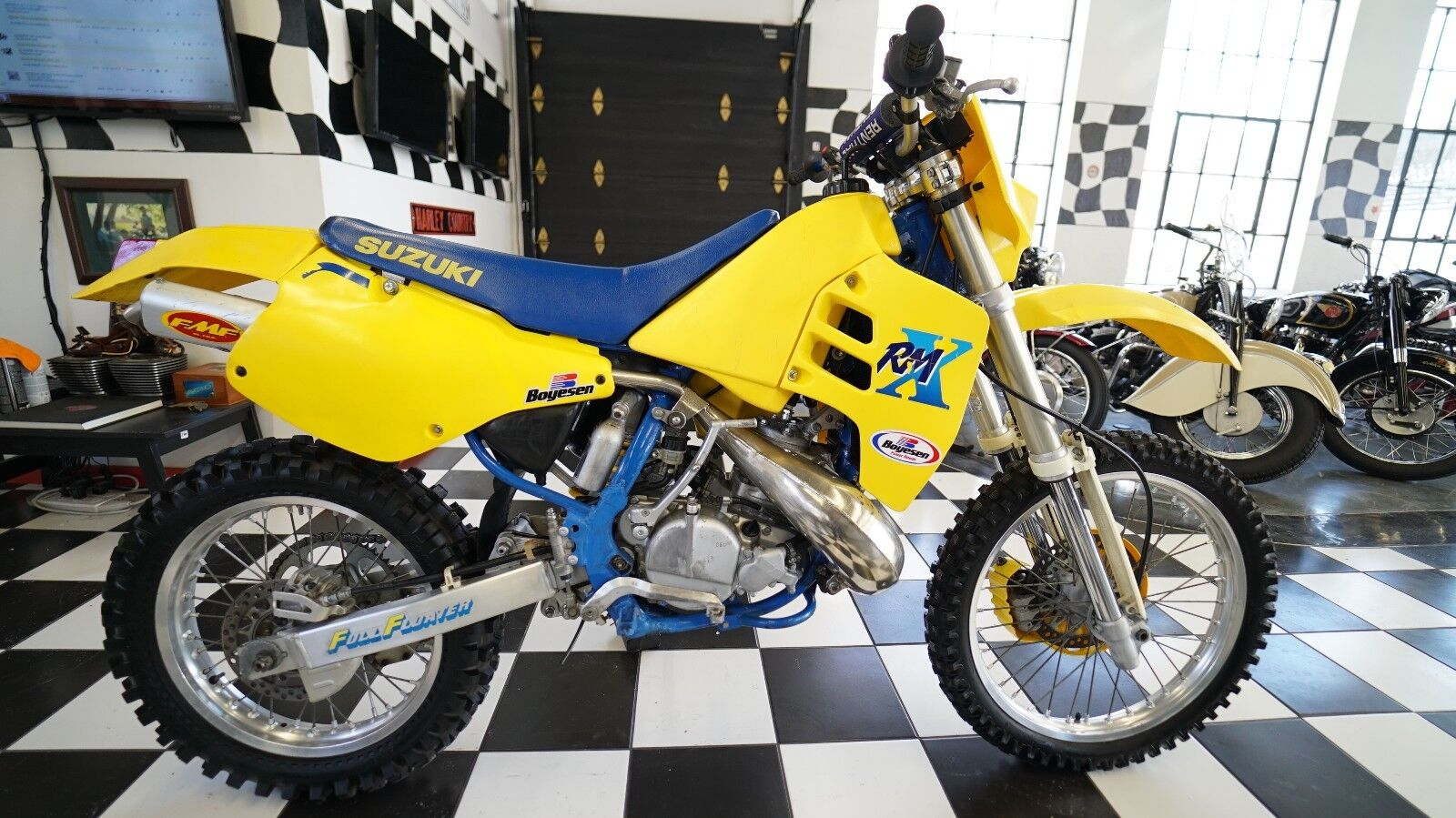 Picture of A 1989 Suzuki RM 250