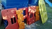 Play gym panels excellent condition No sun fade... dodgy picture! Edens Landing Logan Area Preview
