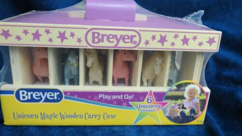 Breyer Christmas - New 2020 #59218 Playngo Wood Stable w/ 6 UNICORNS+1 Bonus