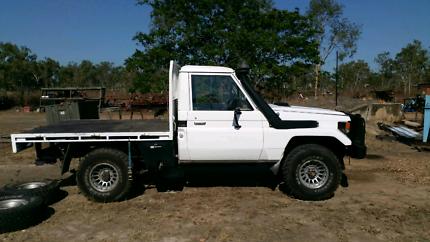 Toyota Landcruiser 75 series Trayback