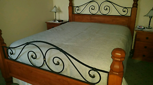 Queen Size Bed Frame!!!!No Mattress VGC Hoppers Crossing Wyndham Area Preview