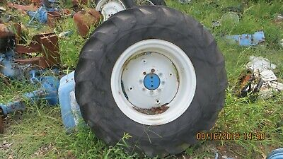 Ford 400046003910 More 18.4 X 26 Tractor Rear Tirewheel 8bolt Pattern
