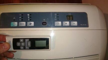 Delonghi Portable Air Conditioner  Mount Claremont Nedlands Area Preview