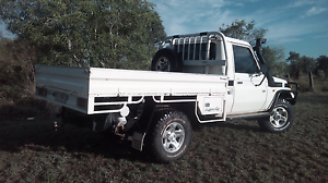 Toyota Landcruiser ute Duaringa Central Highlands Preview