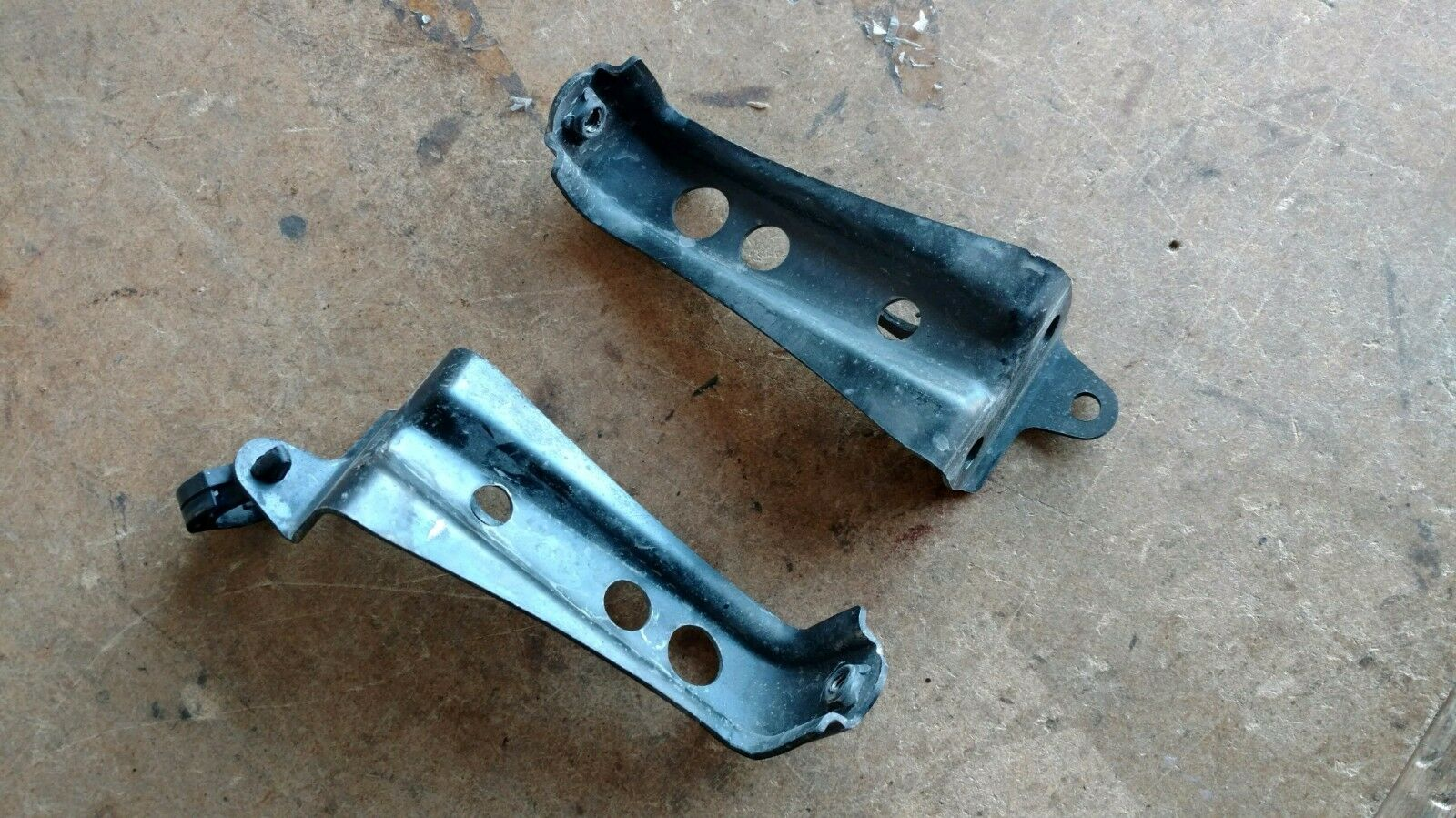 YAMAHA RAPTOR 250cc 250 cc. METAL MOUNTS FENDER SUPPORT