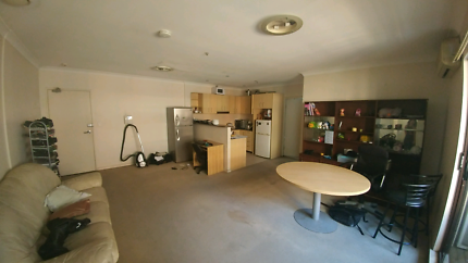 Awesome flat to share at central station