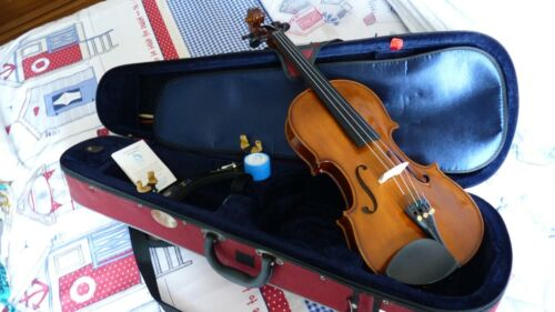 STENTOR STUDENT VIOLIN OUTFIT SIZE 4/4 AWARD WINNING w/SHOULDER REST USED TWICE