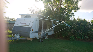 18ft crusader caravan Boronia Heights Logan Area Preview