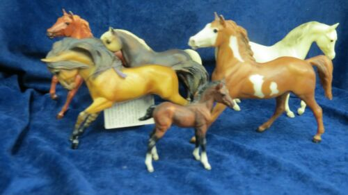 Breyer Classic  Herd of Horses - 5 adults - 1 foal