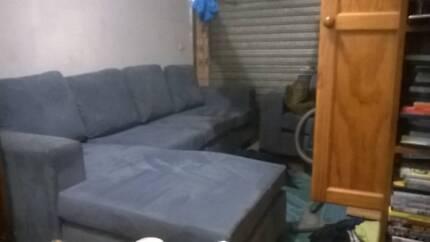 butifull swade lounge deep blue Rosemeadow Campbelltown Area Preview