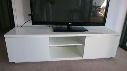 Beautiful White TV unit Putney Ryde Area Preview