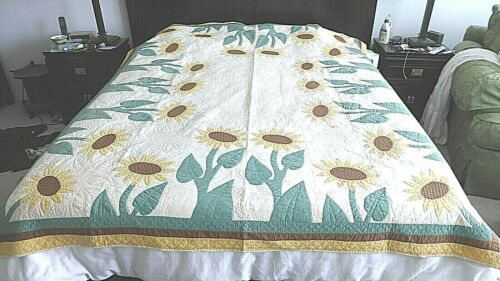 Antique Vintage 1920 Handmade Sunflower Stitched Cotton Quilt 68 x 80 Reversible