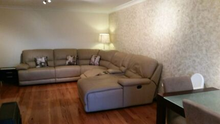 5 seat leather reclining Old Toongabbie Parramatta Area Preview