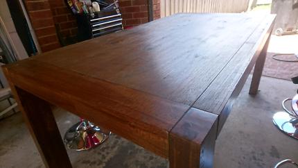 Hardwood Table! Seats 8