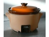 tower auto slow cooker - 3l. ceramic inner, plastic covered outer. 3 settings.