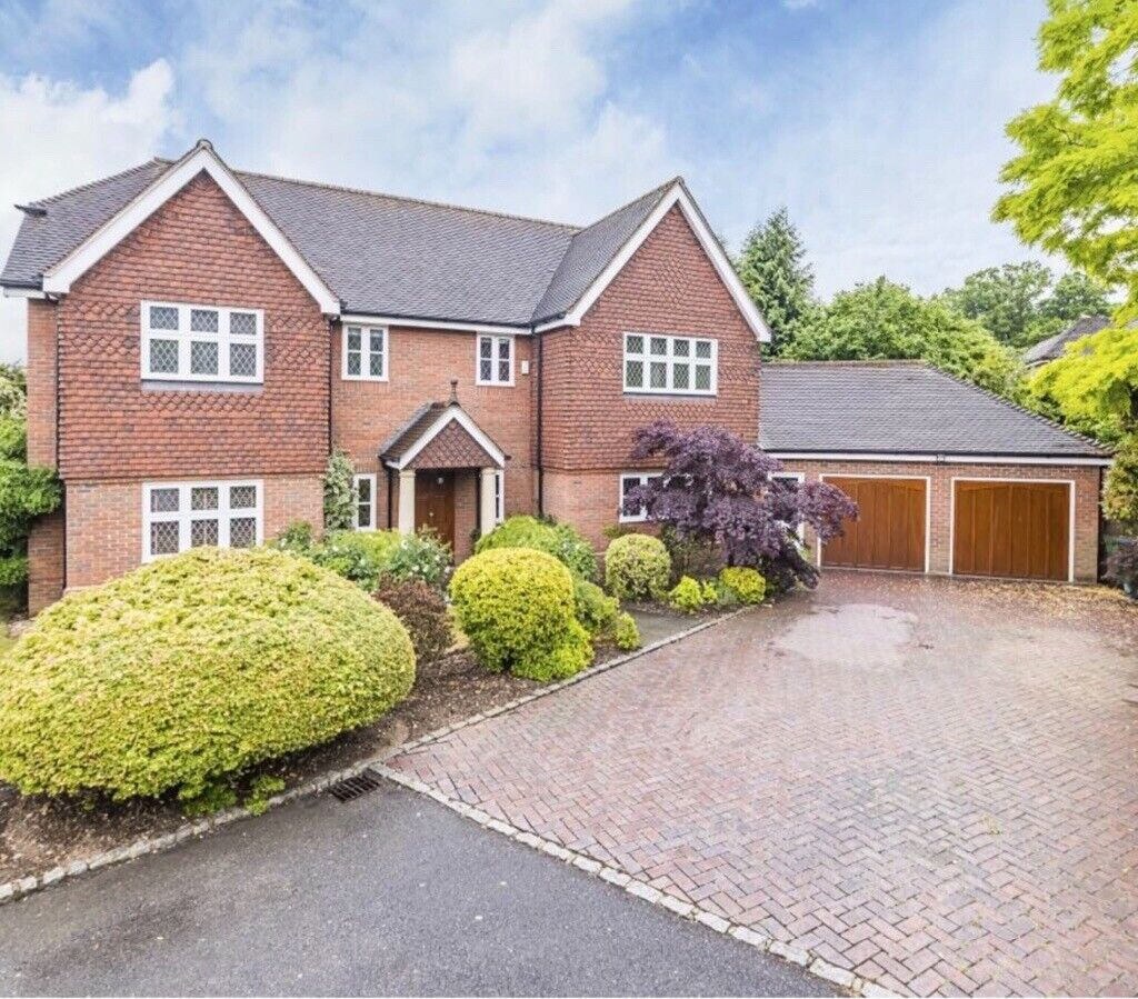 5 Bedroom -4 Available To Rent- In Gated Development Near