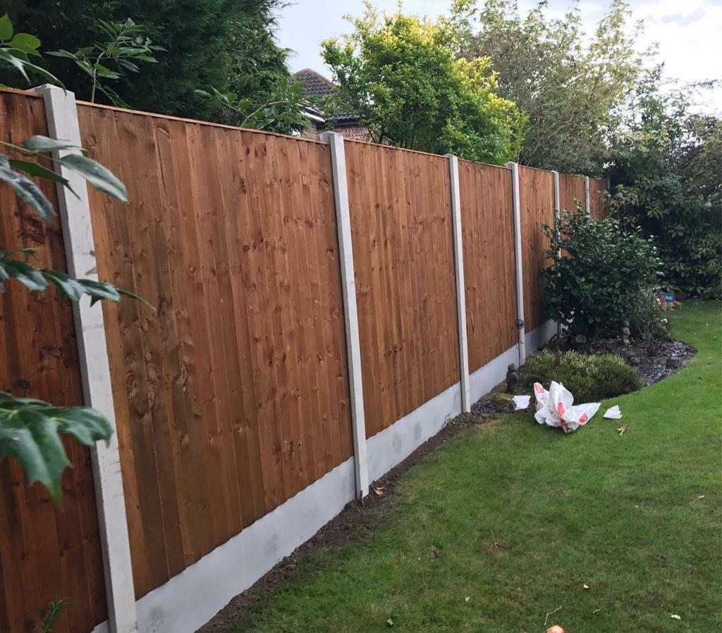 Brown Tised Feather Edge Straight Top Wooden Garden Fence Panels