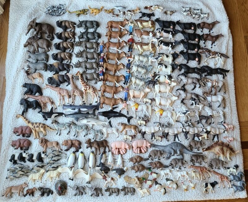 *MASSIVE LOT* Schleich, Safari Ltd, etc Animal Figurine 194 Pieces 30lbs