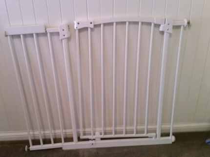 Baby safety gate large