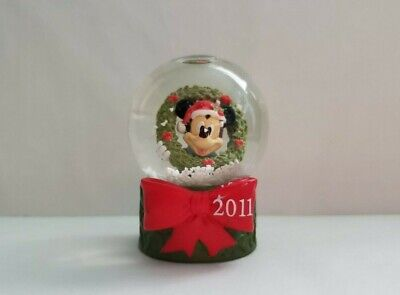 2011 Disney Christmas Mickey with Wreath Mini Snowglobe JcPenney Collectible