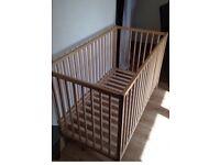 Baby cot £10
