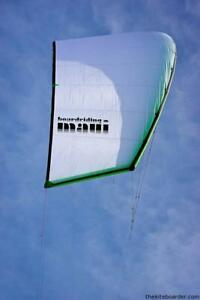 Cloud 17m kite