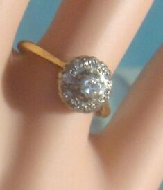 1930's brilliant large diamond cluster 18 carat gold engagment ring, bargain!