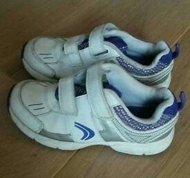 Clarks 11G trainers