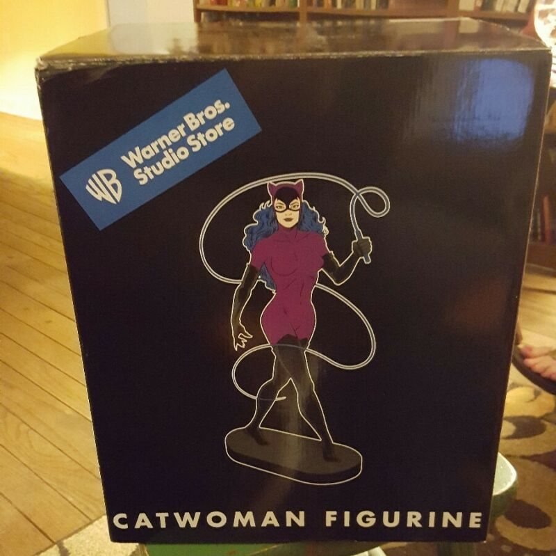1999 Warner Brothers Catwoman Figurine
