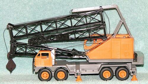 "Lionel ""O"" Scale #6-12900 - ""Plastic Crane"" Built - Mobile Folding Boom Crane LN"
