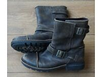 Ugg mens boot US size 10