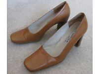 Via Spiga Ladies Tan Leather Shoes, UK size 4.5-5, made in Italy