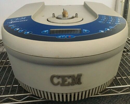 CEM Discover Microwave Synthesizer