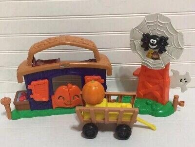 Fisher Price Little People Pumpkin Party Halloween Barn Windmill Wagon 2013