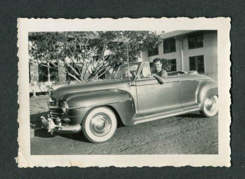 Vintage 1951 Photo Man w/ 1946 1947 1948 Plymouth Convertible Car 423083