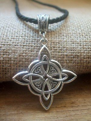 - Witches Protection Knot necklace pendant  + Box - Celtic Amulet Wicca Talisman