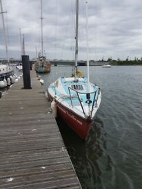 Caravela 22' 5 berths, Lifting Keel Sailboat.