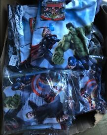 GENUINE HUGE ex store MARVEL AVENGERS T-SHIRTS Joblot new and bagged and tagged!