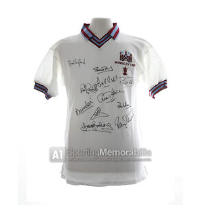 West-Ham-1980-FA-Cup-signed-shirt-with-PROOF-and-COA