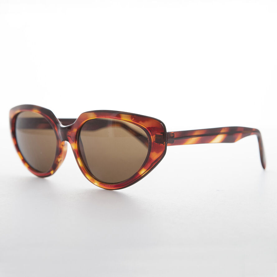 3a46bbacdcb9 Women's Tortoiseshell Cat Eye Vintage Sunglass with Brown Lens - Ava ...