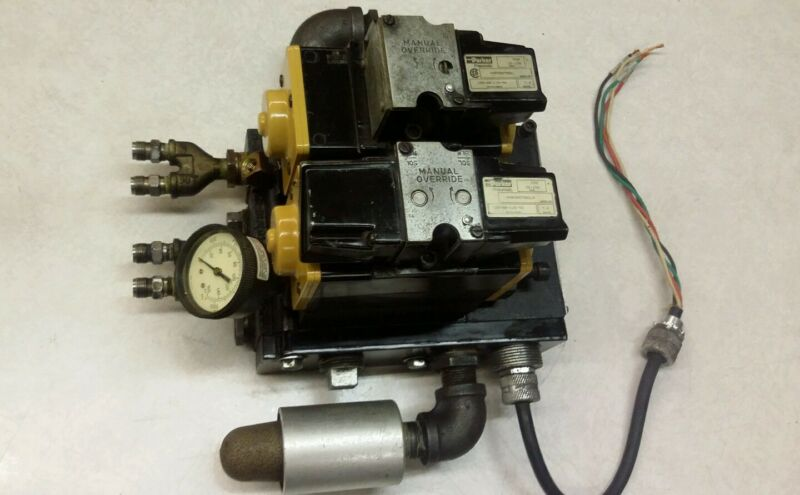 Parker Air Solenoid Valves with Pressure Regulator & Manifold Stack & Muffler