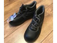 UK size 3 / Eur 36 safety boots