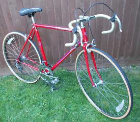 Vintage PEUGEOT Road Bike Lightweight Carbolite Frame 700C Wheels New Tyres In V.G.C