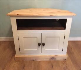 Solid wood corner tv unit